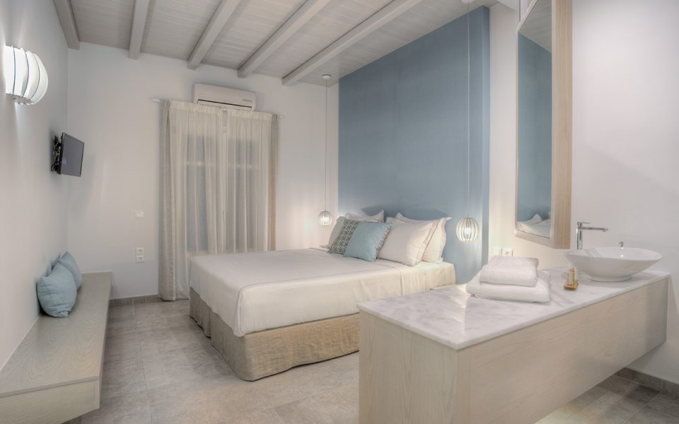Deluxe Double Room With Terrace &  Sea View | Kandiani Bleu Ciel Apartments | Naousa Paros | Cyclades
