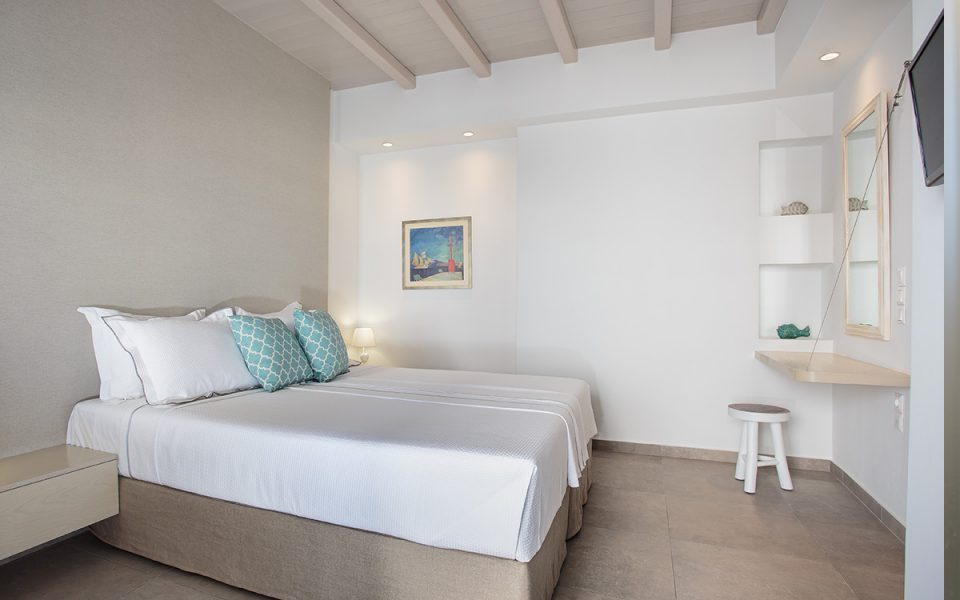 Superior Double Room | Kandiani Bleu Ciel Apartments | Naousa Paros | Cyclades